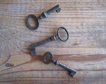 The key to my heart .... old rusty keys x 3 . No. 1