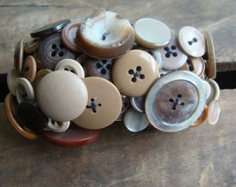 ON SALE Beige Vintage Button Bracelet