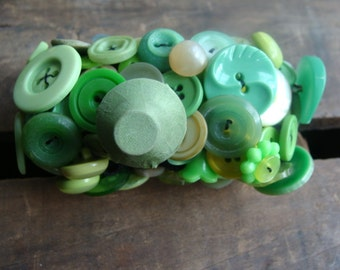 ON SALE Lime Vintage Button Bracelet