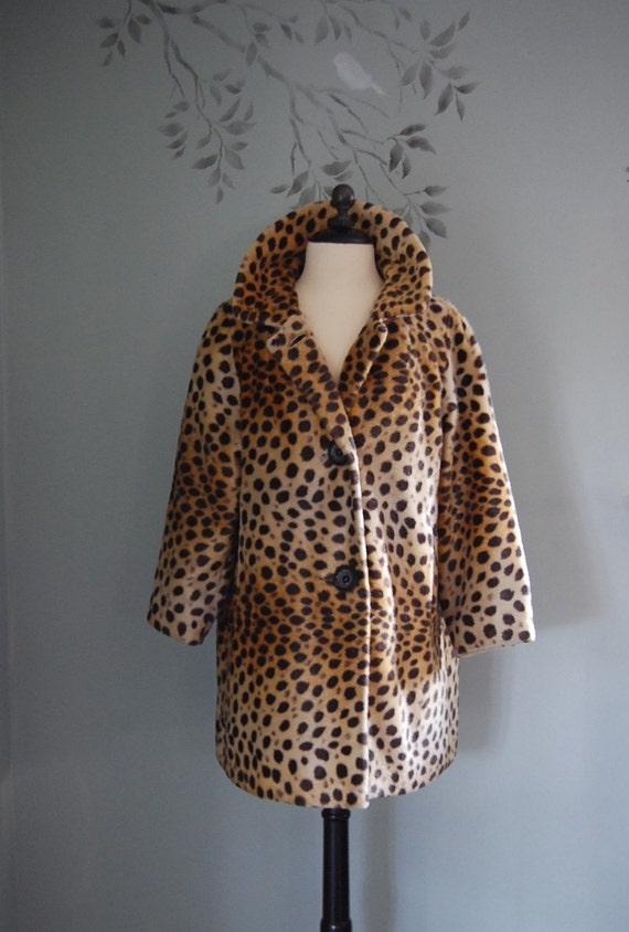 Vintage 1960s FAUX FUR leopard coat