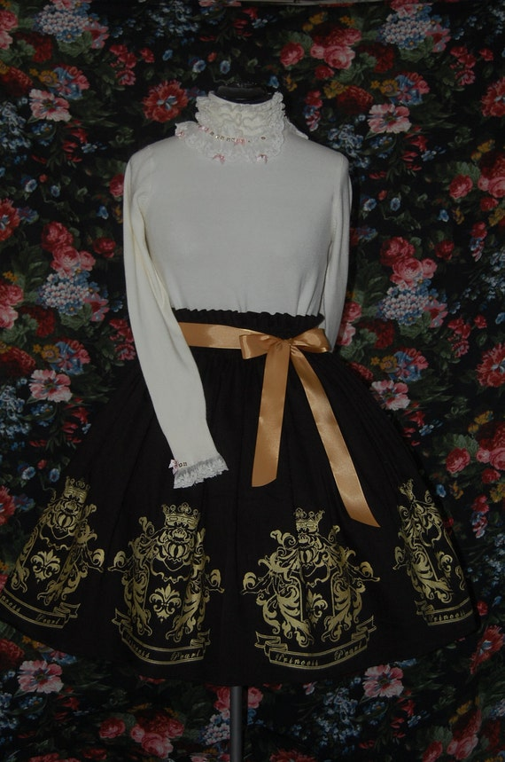 Gothic Lolita skirt: Royal Seal Print - black
