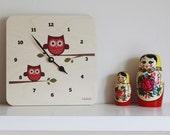 LulaOwl wall clock (plum) by Lulabird