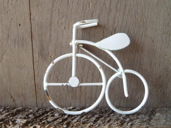 bicycle brooch // penny farthing big wheel metal brooch in white chippy paint