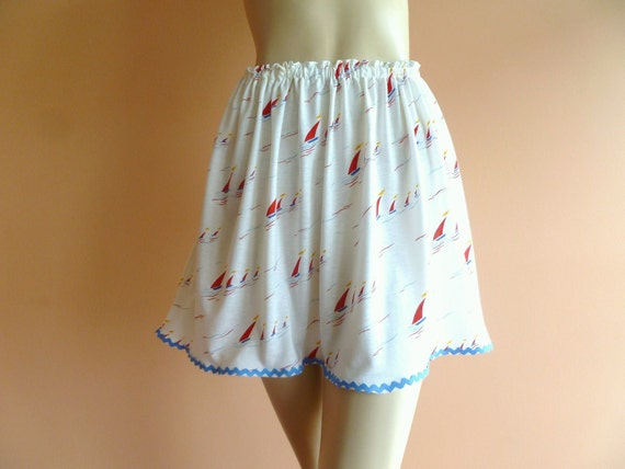 womens sailboat skirt // upcycled sailboat themed fabric