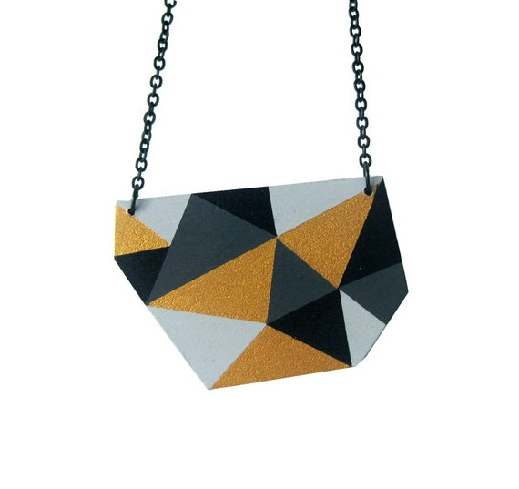 Geometric Triangle necklace Gold