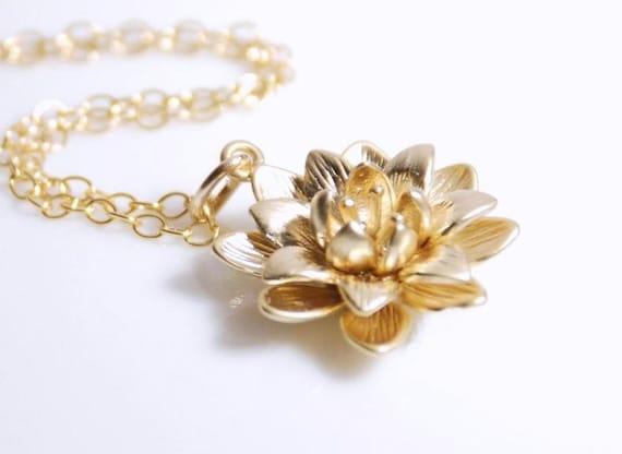 Flower pendant necklace in gold, 14K gold filled necklace, metal necklace, gold necklace