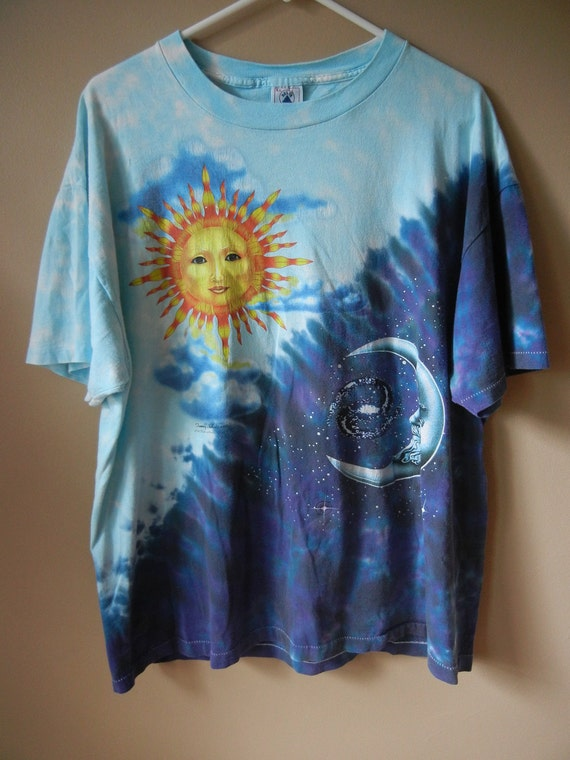 Vintage 90's Sun, Moon, and Clouds T Shirt, Size Large-XL, Ying Yang, Tie Dye, Blue, Hippie, Grunge