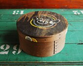 Round Wooden Box, Shaker Style Box with Folk Art Painting, Rustic Cottage Decor