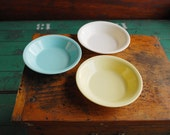 Pastel Plastic Fruit Dishes, Melmac Bowls by Plastic Molded Arts. Blue Yellow White