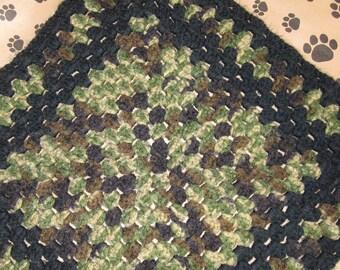 Crocheted Pet Blanket - Multicolor Camo Green/Black
