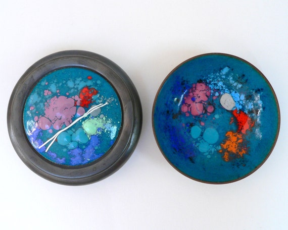 Vintage enamel bowl and container with lid turquoise blue pink gunmetal gray trinket dish box enamelware set pair