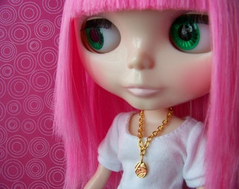necklace for Blylthe doll gold chain with stamped gold metal oval charm B115