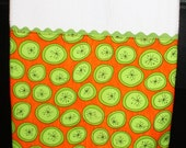 Dish towel with limes