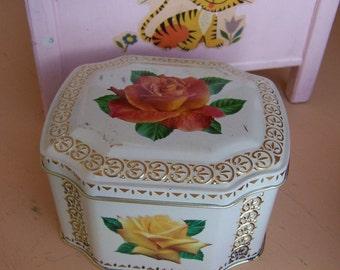 lovely roses tin