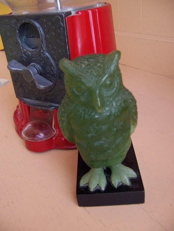 jadite glass wony italy owl figurine