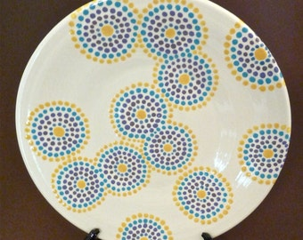 Dotty circles plate