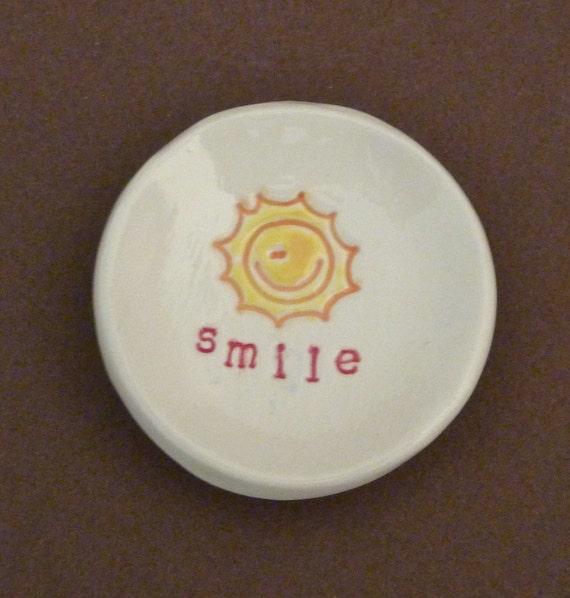 Sunny smile dish