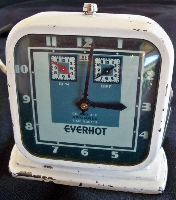 RESERVED for dollarstore 1980 until 9/9/12 - Clock, Radio, Lamp Bundle