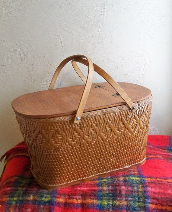 Vintage Red Man Wicker Picnic Basket With Pie Shelf