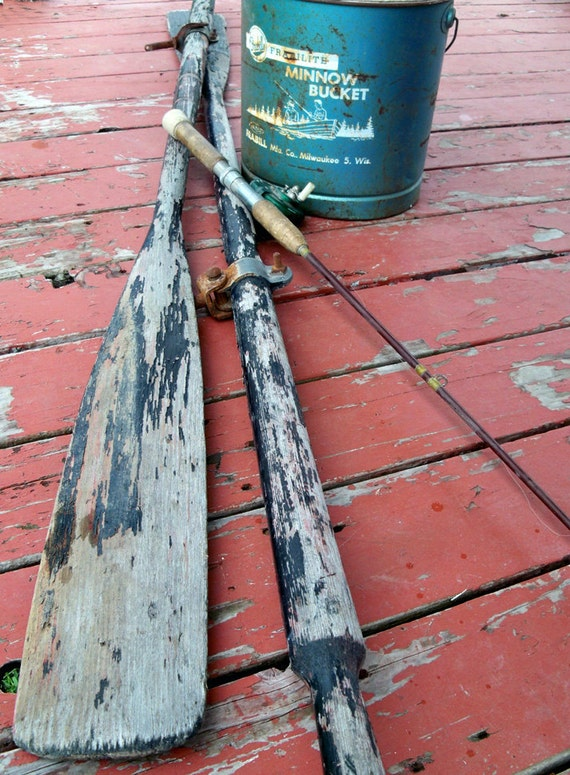 Distressed Wooden Boat Oar - The Perfect Touch of Rustic Charm