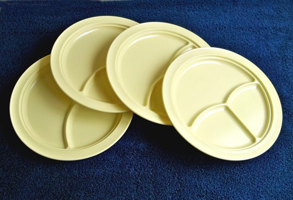 Mid-Century Super Don-Ite Melamine Melmac Divided Plates - Set of 4 in Butter Yellow