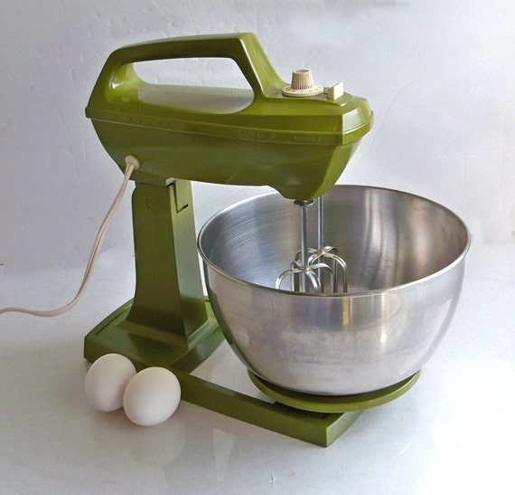 1970 S Avocado Green Sears Stand Mixer With Beaters Amp 2