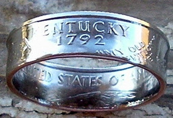 2001 Kentucky State Quarter Coin Ring in a size 7 1/2