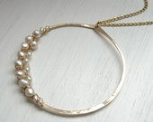 Pearl Woven Hammered Circle Necklace