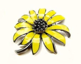 "1 piece Vintage Style Yellow Enamel Flower Brooch - Wedding Decoration Flower Bouquet Hair Pin Clip Headpiece BRO-002 (52mm or 2"")"