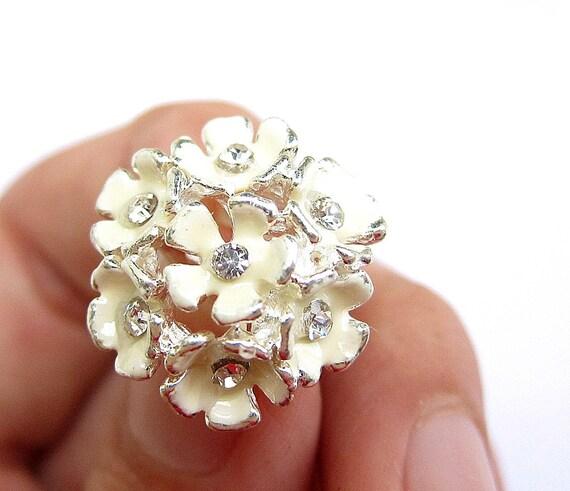 5 Hydrangea Enamel Rhinestone buttons - Cream colour for Wedding Bridemaid Hair Accessories Scrapbooking RB-044 (21mm or 0.8 inch)