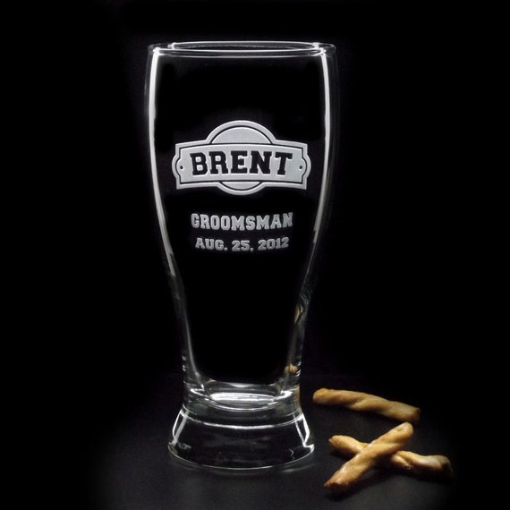 Personalized Groomsmen Gifts - ARCH-CRESTED Wedding BEER Glasses - 19oz Etched Glass by Distinct Glass Studio - Ships to Canada