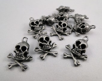 Skull and Crossbone pewter charm - 12 pcs Pirate