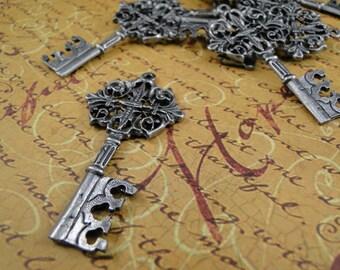 Antique Key Pendant Charm - 6 pcs