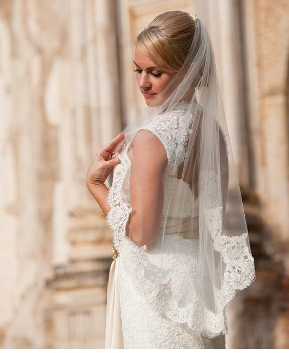 40, 45, 50, 55, or 65 inch single tier finger tip/waist length w/4 inch Alencon lace wedding veil, bridal veil