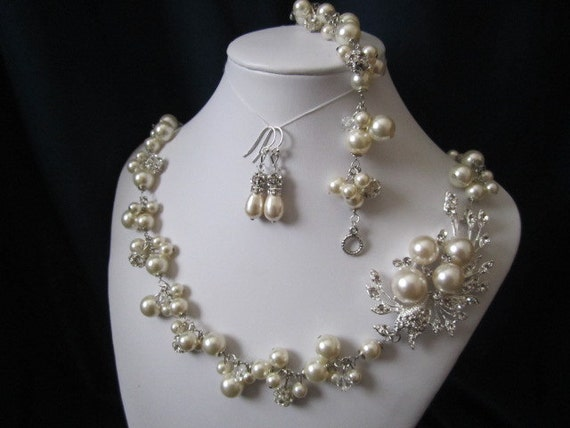 JULIE SET wedding jewelry, bridal jewelry set, pearl necklace, bracelet, earrings, swarovski pearls, rhinestones brooch, wedding necklace
