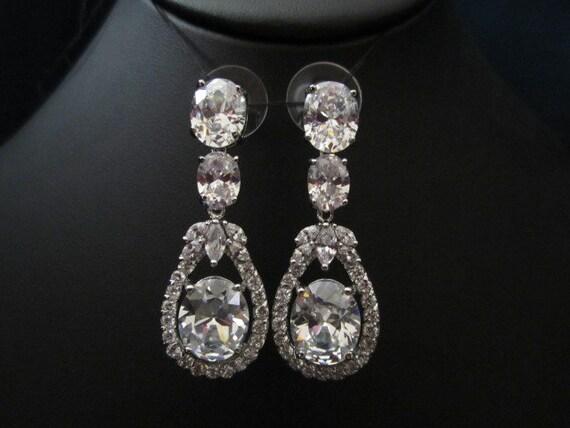3 stone bridal earrings, wedding earrings, fasion, oval shape CZ cubic zirconia earrings, wedding jewelry, bridal jewelry
