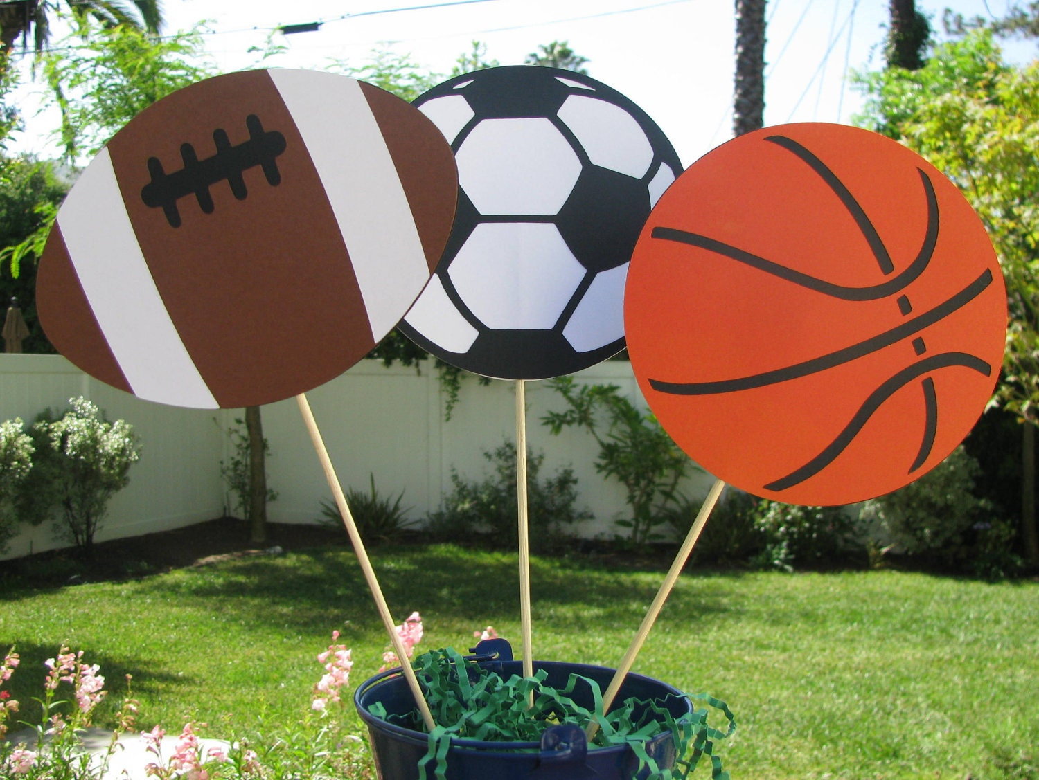 sports table decorations football basketball soccer ball. Black Bedroom Furniture Sets. Home Design Ideas