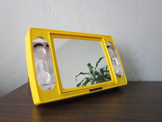 magnifying portable light up mirror. Black Bedroom Furniture Sets. Home Design Ideas