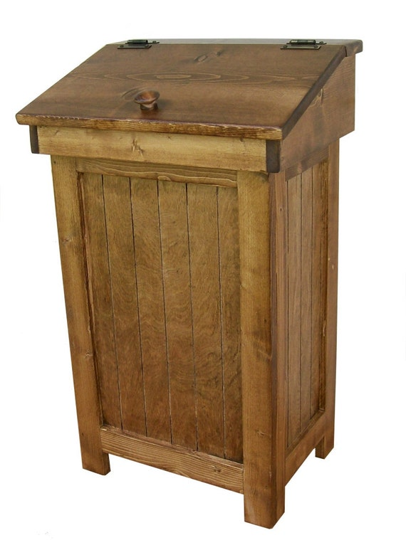 Country Distressed Wooden Trash Bin (13 Gal)