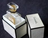 Parfum de Chanel. French prestige...