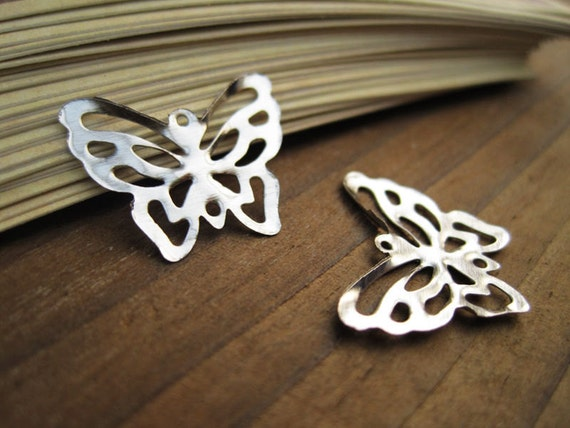 FS004- Filigree butterfly, silver plated tone, metal stamping, 20x17mm, 24pcs