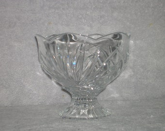 Vintage crystal pedestal bowl or candy dish