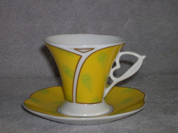 Set of six (6) porcelain, Italian style, demitasse cups and saucers in rich yellow with white, green, and gold