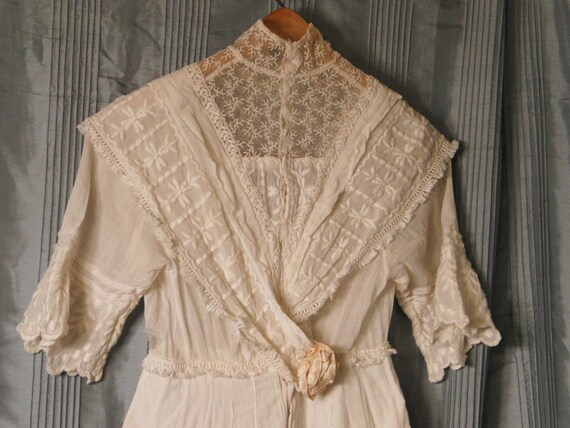 REDUCED Antique short sleeve wedding dress, 1914, white cotton and lace