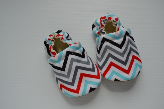 handmade baby cloth shoes, gender neutral, chevron