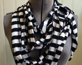 Draped jersey scarf - black and white stripes