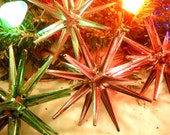 Ca 1950s Sputnik-Star Ornaments-4 Colors Pink-Red-Silver-Green-Very Mid Century Modern-Space Age-Jetson