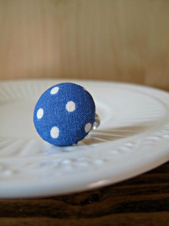 All Buttoned Up: fabric-covered button ring made with vintage fabric - blue/white polka dots