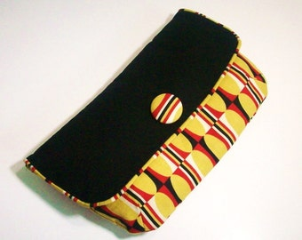 Pouch Style Clutch Mod Oval, Large Black, Gold, Red