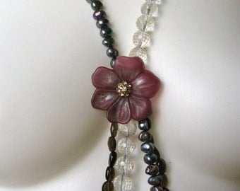 Chic Bold Quartz  and Freshwater Pearl Flower Necklace